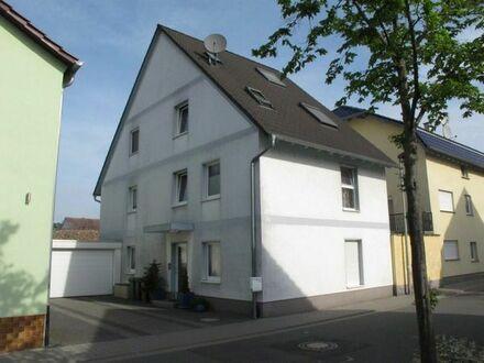 1 OG und 2 OG (Dach) Teil Mobiliert in Lampertheim-Mitte Sofort zu vermieten