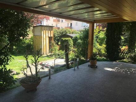 Neu renovierte 2,5 Zimmerwohnung in Ma-Seckenheim mit überdachter Terrasse und Garten