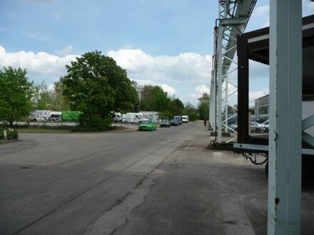 Stellplätze für PKW, Caravan, usw.