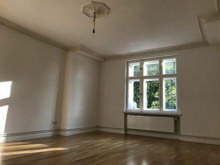 Bild_Helle Dachgeschosswohnung in Stadtvilla Südwestlage, 2 Zimmer, 57 qm