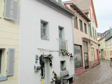 ***Provisionsfrei***Modernes voll Saniertes Stadthaus im Zentrum von Schriesheim