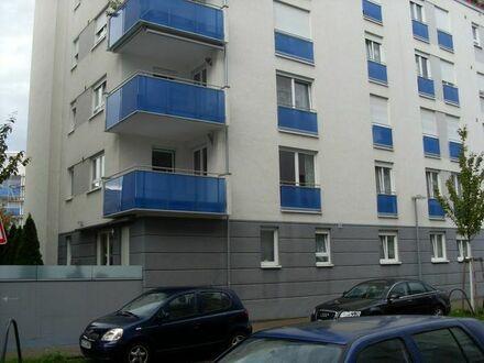 Schöne, geräumige drei Zimmer Wohnung in Karlsruhe (City Park) zu verkaufen.