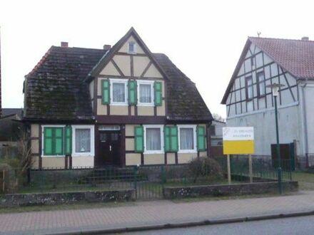 Fachwerkhaus mit Resthof ( NICHT DENKMALGESCHÜTZT ) - TOP - GRUNDSTÜCK - TOP LAGE -