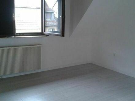 1 WG Zimmer Edingen-Neckarhausen in 2er WG, beide Zimmer frei. Neu renoviert, 365,00 EUR pauschal.