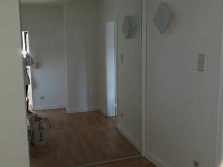 Eine schöne , kleine Wohnung ist im 1 OG in Pirmasens an sozial gesicherte Mieter abzugeben