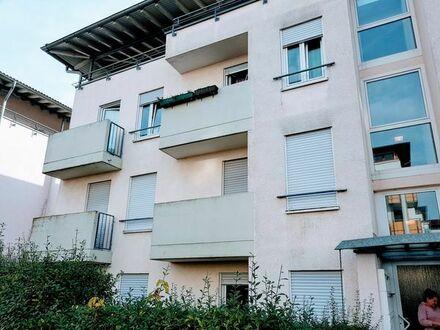 Neuwertig renovierte 1-Zimmer-Wohnung mit Balkon und Tiefgaragenstellplatz