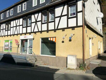 Schöner Laden/Gewerberaum auf 37,25 m2 mit Schaufenster zur Hauptstr und Küche/Vorbereitung sowie WC