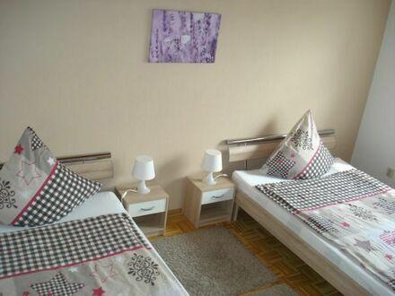 Herzlich Willkommen ! Möblierte Wohnung für max. 3 Personen (ca. 1000 m bis zum LAFP)