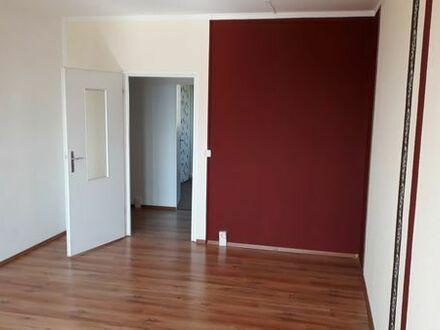 renovierte 3-Raum Wohnung mit Einbauküche von Privat