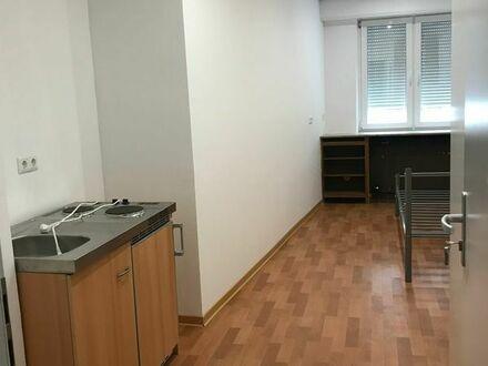 WG Zimmer Pfhm. Innestadt ab 380 Euro möbiliert mit Pantry-Küche