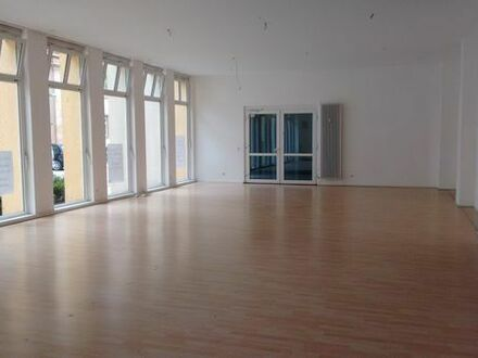 Bürofläche/Praxisfläche in Landau-Stadtmitte neu zu vermieten