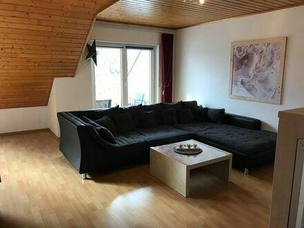 Schöne, helle DG-Wohnung, 3 Zimmer, Küche, Bad, Balkon, PKW-Stellplatz