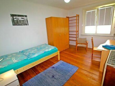 Gepflegtes Zimmer in 2er WG / 62qm Wohng,, Stgt.-City