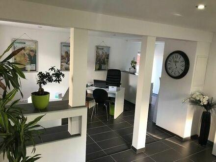 Modernisiertes Ladenbüro in guter Lage