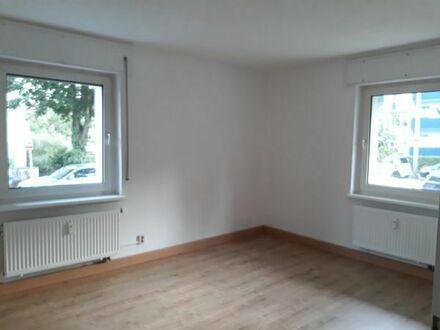 Schöne 2 Zimmer Wohnung Innenstadt-West Karlsruhe mit Küche, Bad, WC, Abstellraum und Keller, 55qm