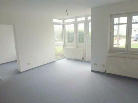 1,5 Zi-Wohnung (43qm) mit Süd-Terasse und EBK in Erlangen!