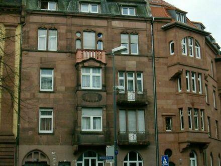 Mehrfamilienhaus mit Gewerbeeinheiten im Erdgeschoß
