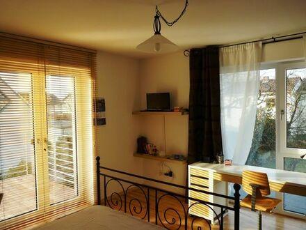Wohnen auf Zeit: Schicke Ferienwohnung mit großem Balkon!