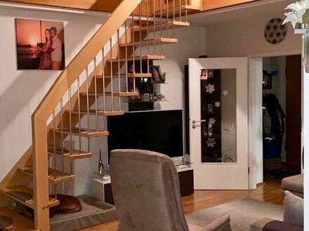 Helle 3 Zimmer DG-Galerie-Wohnung in Aschheim.