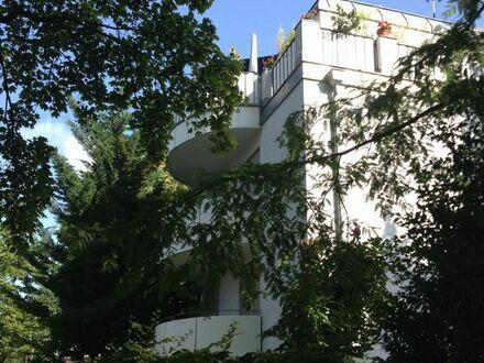München ,,Provisionsfrei `Tiefgarage & 22 qm Dachterrasse ! Sofort frei !