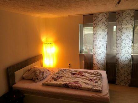 Stilvolle, modernisierte 1,5-Zimmer-Wohnung mit EBK