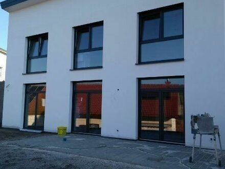 Zwei Moderne Doppelhaushälften in guter Lage mit Panorama Blick. Provision frei.