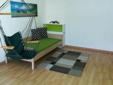 1 großes möbliertes Zimmer in einem RMH zur Untervermietung in Schorndorf.