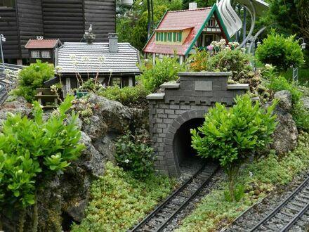 Wochenendgrundstück mit Massiven Bungalow u. Gardeneisenbahnh