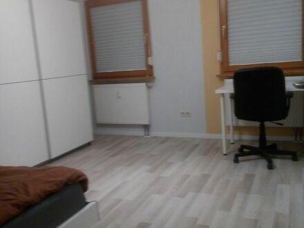 Voll möbliert mit 2 Einzelbetten, 1-Zimmer ca. 14 qm, Mitnutzung Wohnküche+Bad+Diele