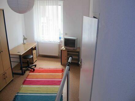 1 möbliertes Zimmer in 3er WG frei - Mitten in der Durlacher Altstadt