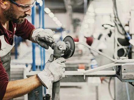 Verkaufen Sie die Fabrik für Aluminiumprodukte in Spanien.