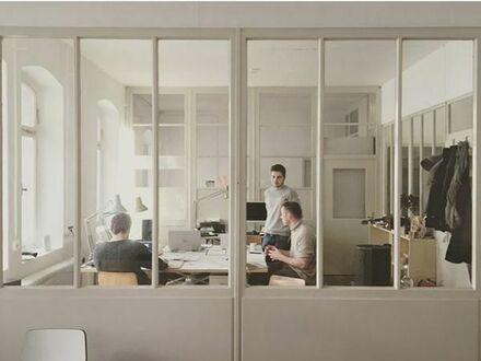 Arbeitsplatz in Co-Working Büro // im neu entstehenden Kreativhof Oststadt