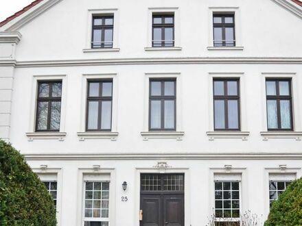 Geräumige, renovierte und ruhige 3-ZKDB-DG-Wohnung 90,6 m2