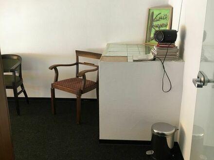 Kleines Büro bzw. Praxisraum