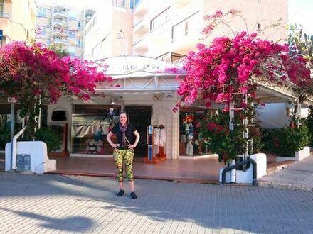 Luxusboutique in excellenter Lage am Strand von Paguera Mallorca