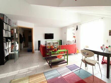 4 Zimmer Maisonette Wohnung in Oggersheim inkl. Balkon, Küche und 2 TG - Stellplätzen