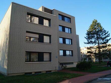 Von privat: Vollständig renovierte 3-Zimmer-Wohnung mit Balkon und Einbauküche in Ronnenberg-Empelde
