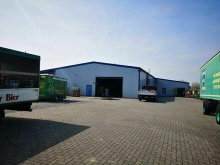 Attraktive Industriehalle mit Freifläche