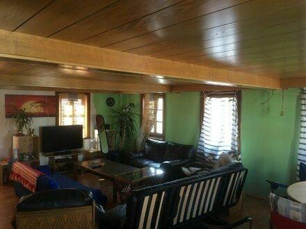 3 WG-Zimmer in zweistöckiger 160 Quadratmeter großen Wohnung anzubieten