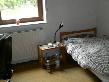 1 möbliertes Zimmer in ruhige und nette Haus-Wohn-gemeinschaft im Süden von Mannheim