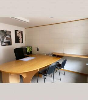 Büro mit Stellplatz und viel Stauraum in ruhigem Hinterhof - All-in-Miete