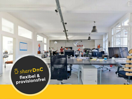 Desks or office room in a light flooded coworking space in Kreuzberg - All-in-Miete