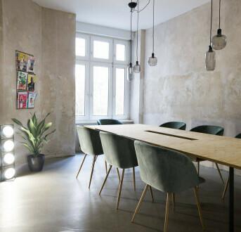 Schreibtisch in kleiner Bürogemeinschaft am RAW Gelände - All-in-Miete