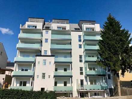 Hochwertige Altbauwohnung mit Balkon - Erstbezug nach Sanierung - 67 m² - PROVISIONSFREI