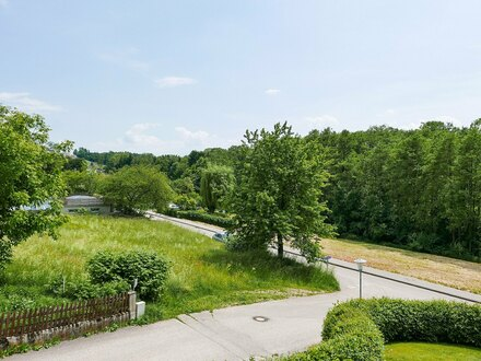 Ruhig gelegene 3 ZI-Wohnung mit Balkon und Grünblick, 79 m² - PROVISIONSFREI