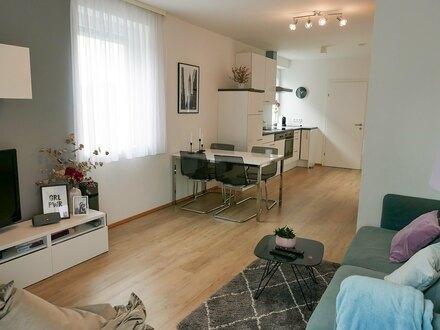 Stylische 2 ZI-Wohnung mit Balkon in generalsaniertem Altbau - PROVISIONSFREI, ZWEITBEZUG