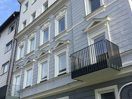 Generalsanierte 2 ZI-Altbauwohnung mit hofseitigem Balkon - ZWEITBEZUG, PROVISIONSFREI