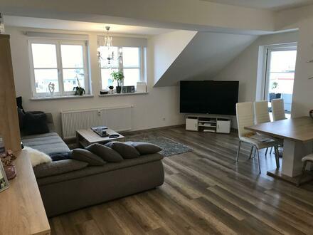 Suchen Nachmieter für wunderschöne Dachgeschosswohnung in Fürstenfeld - sehr zentral und neu rennoviert/saniert!