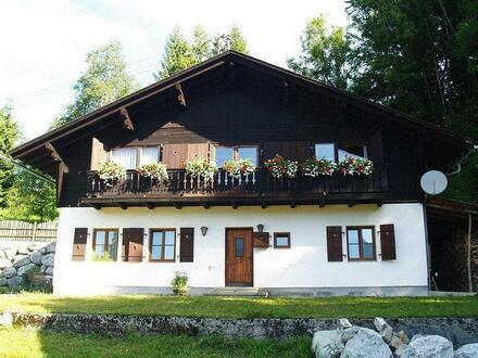 Vermiete 200m² Haus mit Liegewiese, Rosengarten, Balkon mit herrlichem Bergpanorama und 2 Garagenplätze