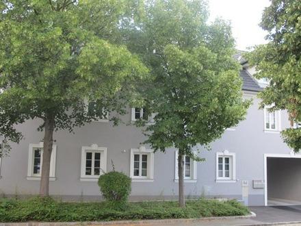 Doppelhaushälfte mit Terrasse und Garten